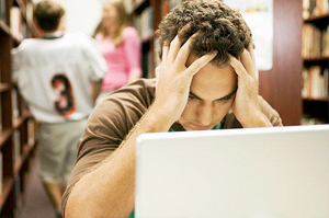 Damage on Students' Essay Writing Skills Due to Heavy Use of Twitter and Facebook