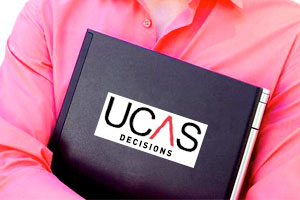 University Decisions on 30th June UCAS Applications Submissions